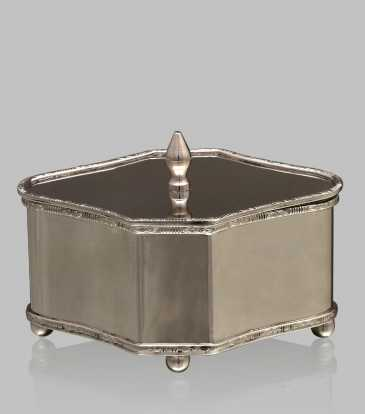 Elizabethan Box with Lid