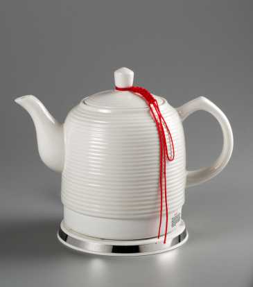 Ceramic electric kettle White